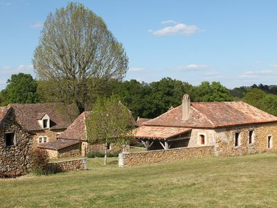 Photo for Beautiful 18th century farm in the heart of green Périgord
