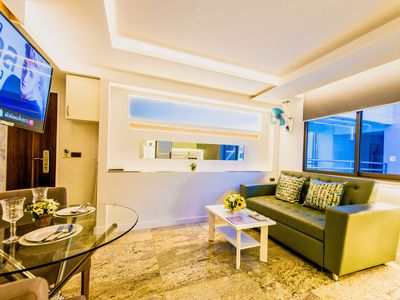 Photo for Spacious Corner Suite Downtown location ★★★★★