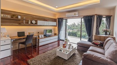Seastar service apartment, house & hotel with view of golf course