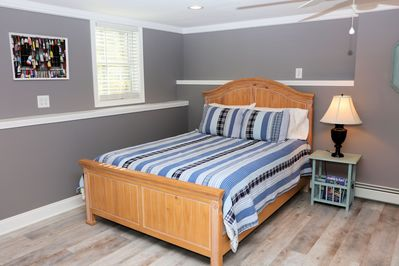 Queen size bed with brand new mattress
