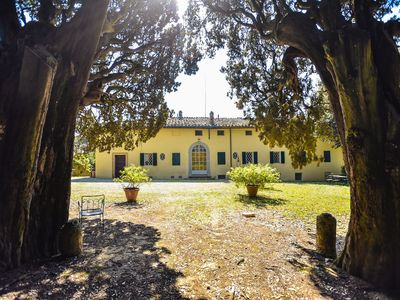 Photo for Villa San Dalmazio - A dwelling immersed in greenery just a stone's throw from Siena