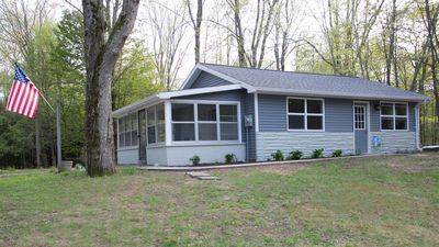 Perfect Getaway Location! Near Downtown Ludington & Lake MI Beach