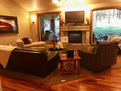 Photo for Large Family Friendly Home on Golf Course, minutes from Crater Lake