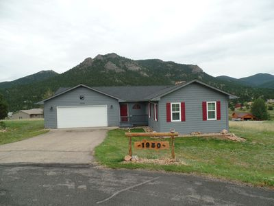 Photo for Kings Retreat, King size beds in all 3 bedrooms with great mountain views