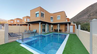 Photo for Luxury villa with pool in Los Cristianos
