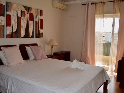 Photo for Amazing apartment, WiFi, near Faro airport and Beach!