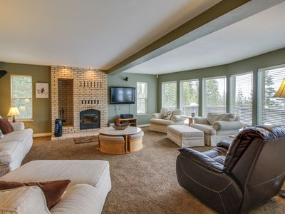 Photo for Expansive home w/ shared pool, hot tub, & dock - on-site golf, & skiing, too!