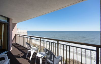 Oceanfront Condo -TVs in all rooms, full kitchen, balcony -living room & master!