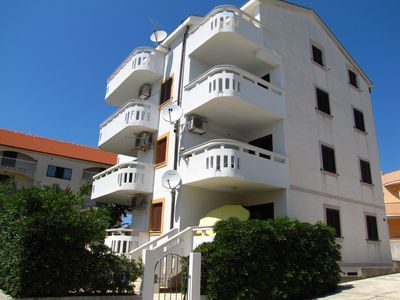 Photo for Apartments HOPE for 8 people, 100m from the sea
