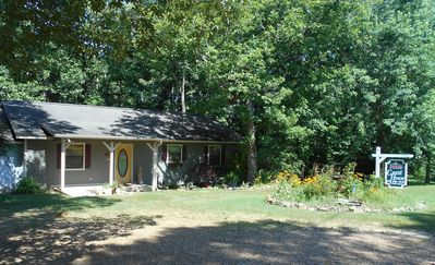 Photo for Clean, Charming And Comfortable. In The Ozarks