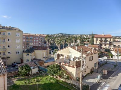 Photo for 2 bedroom Apartment, sleeps 4 in Saint-Aygulf with Air Con