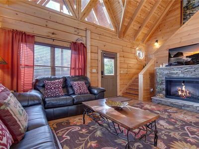 Photo for Clear Blue Morning, 3 Bedrooms, Hot Tub, WiFi, Gas Grill, Sleeps 12