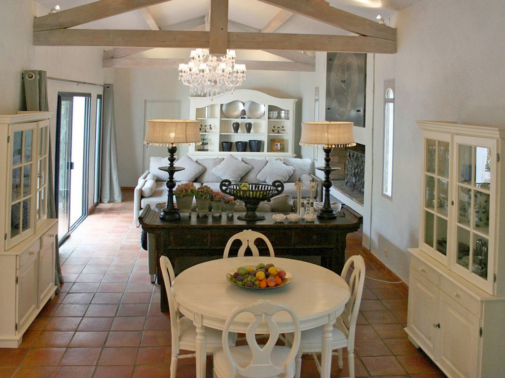 NEW - Fully Staffed Villa for 12 Guests, Swimming Pool, Meals, Chef, Parking + Housekeeping