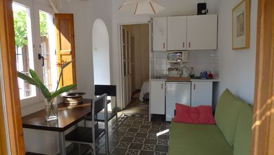 Photo for Granada City Apartment In Typical Granadine House, Situated On Alhambra Hill