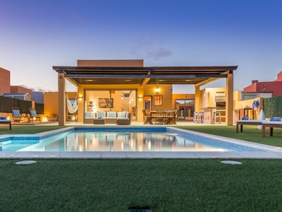 Photo for Exclusive Villa, Spacious, Oceanfront, Heated Pool, Bali Bed, Own Playground!