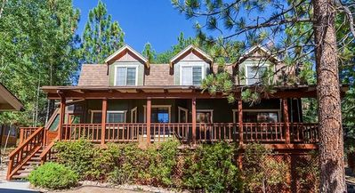 Bear Cave: 3 BR / 2 BA near snow summit ski resort in Big Bear Lake, Sleeps 8