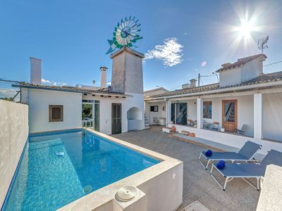 Photo for Family-friendly house with pool – Casa Es Mitja Pla