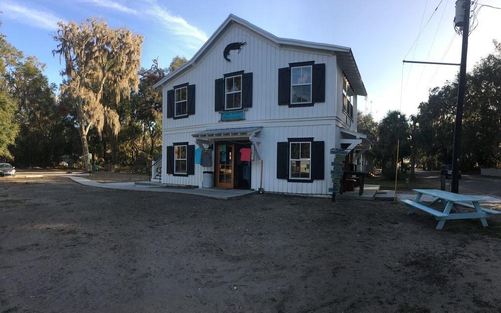 Delightful Cottage In Heart Of Bluffton VRBO - May river excursions