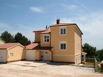 Photo for Cheap apartment with bedroom, bathroom, washing machine, air conditioning, balcony and barbecue area
