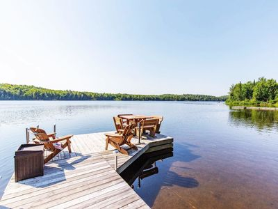 Photo for Luxury Waterfront Cottage W/4BR + View of the lake