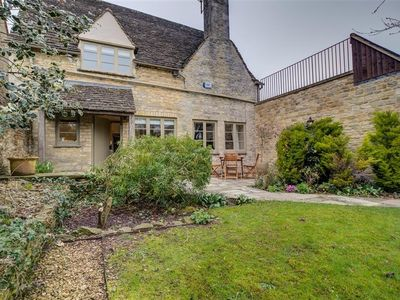 Photo for 2BR Cottage Vacation Rental in BURFORD, Cotswolds