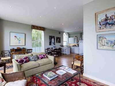Photo for Bright Fulham Mill Apartment - ARB