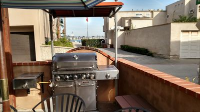 Natural Gas Barbeque on Patio with view of Mission Bay!
