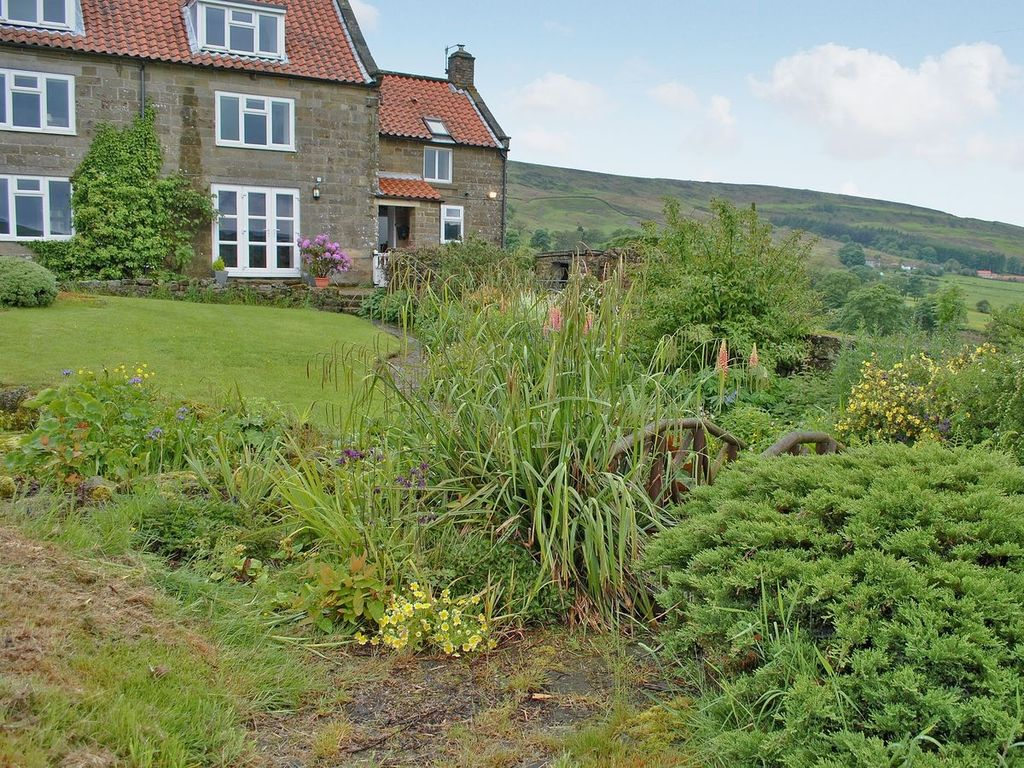 4 Bedroom Property In Rosedale Abbey Pet Friendly Church Houses North York Moors National Park