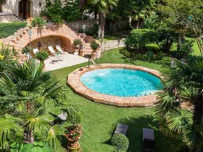 Photo for Lovely apartment in villa for 2 guests with WIFI, pool, TV and parking, close to Montepulciano