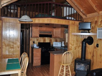 Photo for Deluxe Resort Cabin - 1 bedroom plus loft