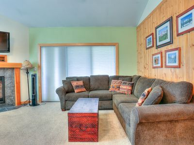 Beautifully Updated Ski House Condo In Mt. Bachelor Village!