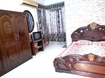 Photo for Luxurious Queen bed @Banani