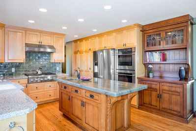 Commercial Grade Kitchen Loaded with Appliances
