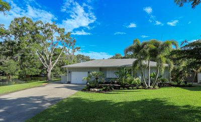 Photo for Modern and Updated, South Sarasota Oasis: Sarasota 32