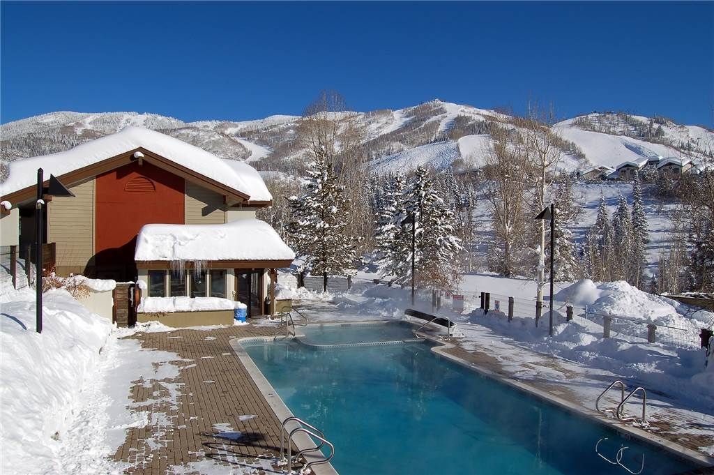 *LOWER RATES ON LISTING* Secluded Location! Pool & Hot Tub!