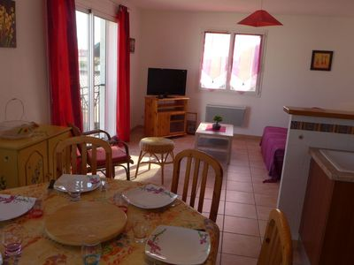 Photo for 2 bedroom Villa, sleeps 5 with WiFi and Walk to Beach & Shops