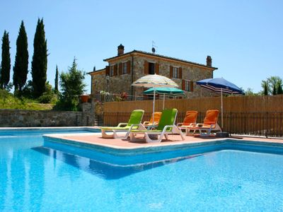 Photo for Beautiful private villa for 8 guests with WIFI, private pool, TV, terrace, pets allowed and park...