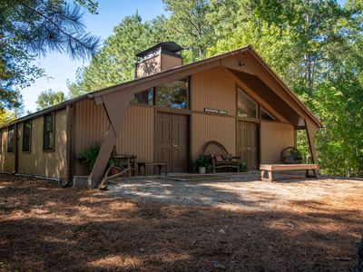 Photo for 2BR Lodge Vacation Rental in Acworth, Georgia