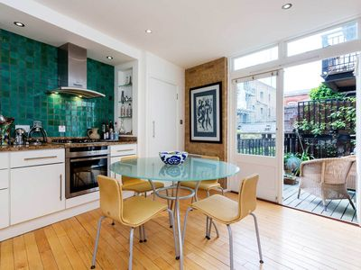 Photo for Moments from London Bridge - Delightful home with lovely terrace (Veeve)