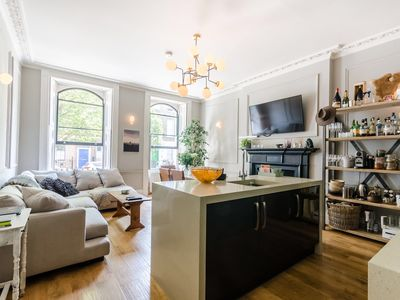 Photo for Upscale and Spacious 2 Bed Flat in Marylebone