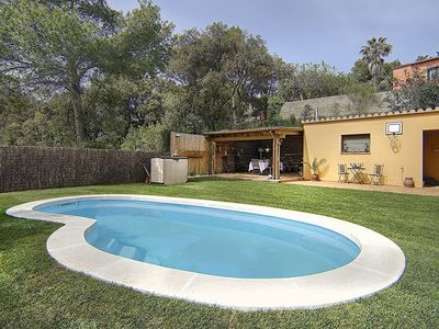 Photo for 3 bedroom Villa, sleeps 6 in Esclanyà with Pool and WiFi