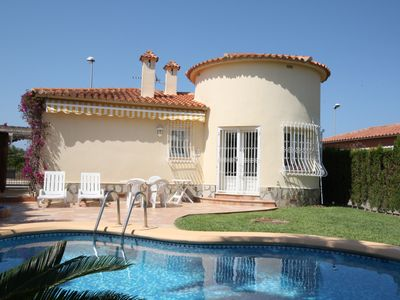 Photo for Small but beautiful villa with private pool near the golf course