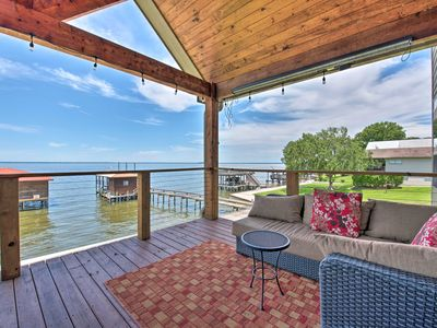 Luxury Lakefront Coldspring Home w/ Boathouse