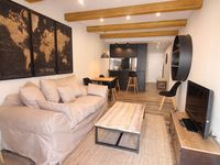 We found the apartment suited all our needs, very clean, all new,parking,location & great service/ c