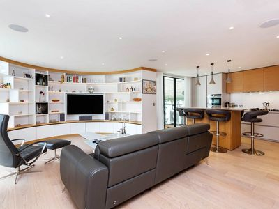 Photo for Stunning & contemporary 2BR 2bath in the heart of the West End! by Veeve