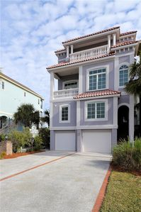 Oceanview, Private Pool, Elevator, Quick Walk to Beach