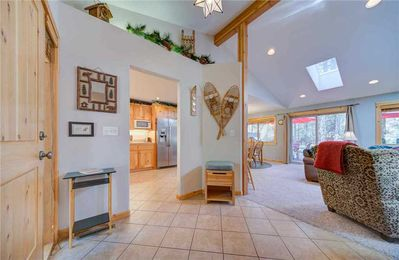 Sunriver-Vacation-Rental---1-Wolf-Lane---Entry