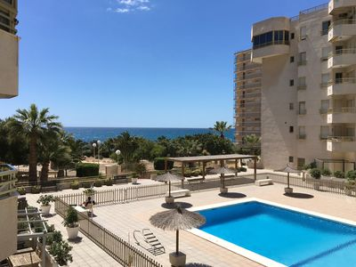 Photo for Sunny and cozy beach front app. 4-5p. El Campello