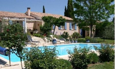 Photo for House with private pool and green garden at the foot of the Luberon