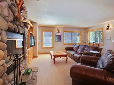 Photo for Relaxing Lodge near Sunriver Village Mall w/ WiFi, Hot Tub & Free Sharc Passes